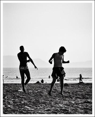 Futevolei (footvolley) by Luiz L.