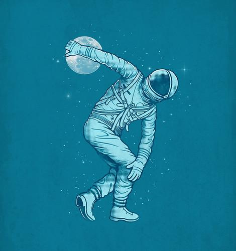 Astronaut Discus Throwing