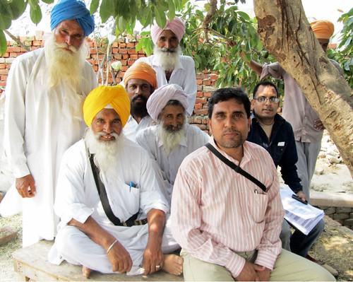 Dhiraj Singh with Punjabi farmers