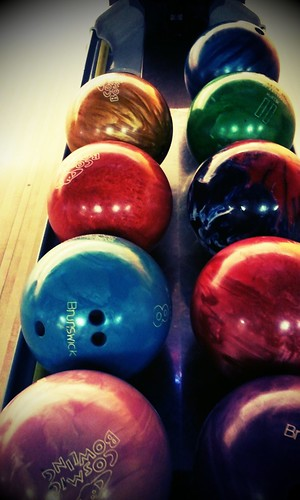 balls of many colors by chauntelensey