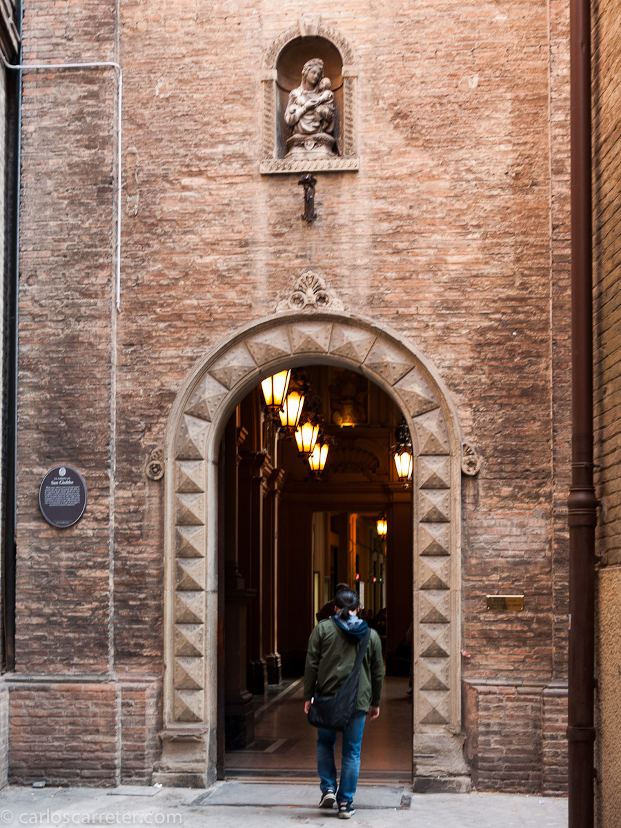 Entrada a Galleria Giovanni Acquaderni