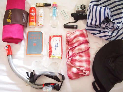 What's in your bag - beach holiday on Rawa Island