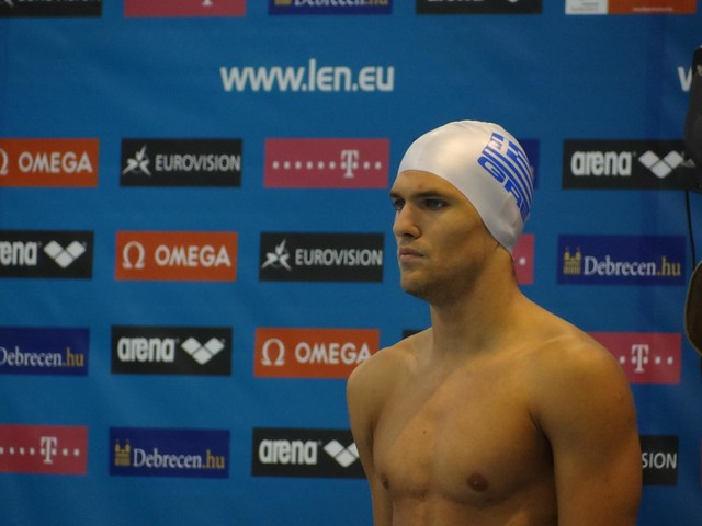 A Greek guy going goggle-less at Debrecen 2012