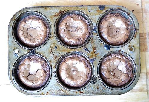 5-29 cakes 230