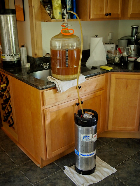 Filling my keg with an American Pale Ale