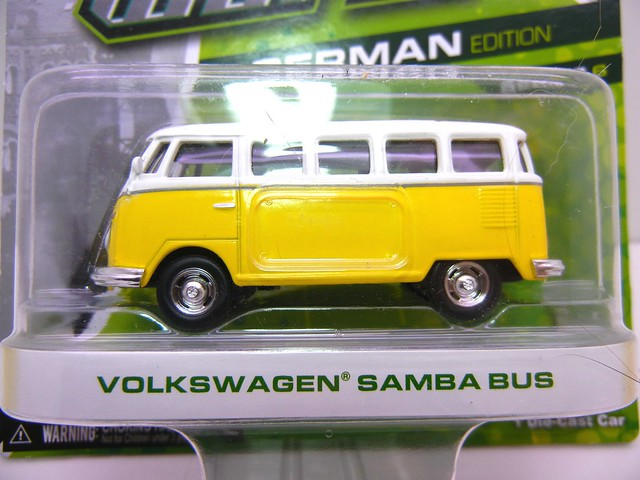 greenlight motor world volkswagen samba bus yellow (2) - Copy