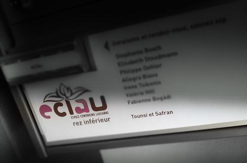 Tounsi et Safran sur la boîte de l'eclau.jpg