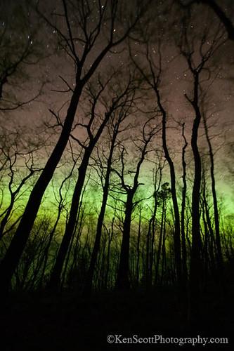 Whaleback Trail ... aurora by Ken Scott