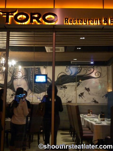 Toro Restaurant & Bar-001