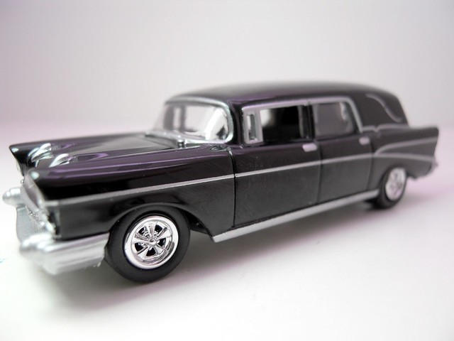 johnny lightning 1957 chevy hurse (2)