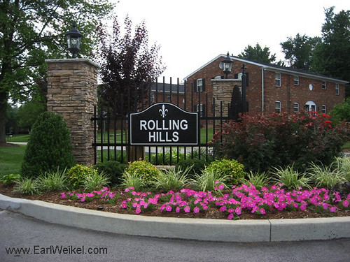 Rolling Hills Louisville KY Homes For Sale 40242 off Westport Rd Near Hurstbourne Pkwy by EarlWeikel.com