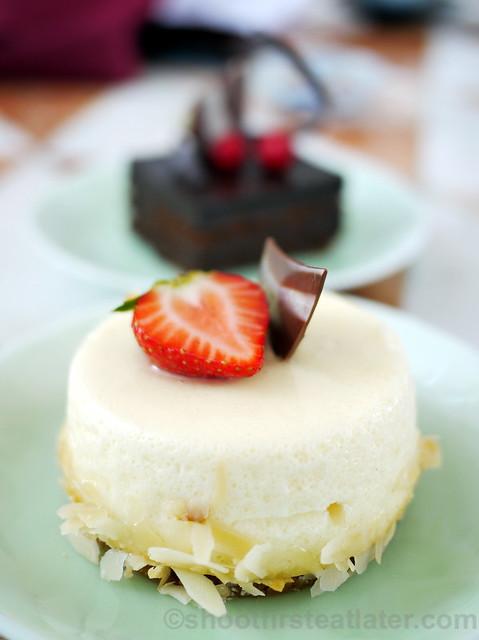Kohikan's baked cheesecake P240