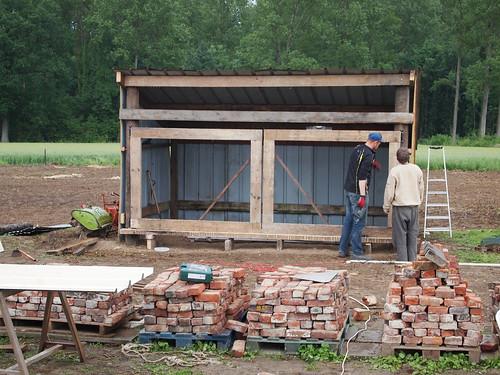 Construction du hangar : les portes