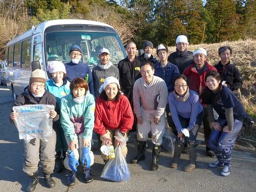 南相馬市鹿島区で側溝掃除ボランティア Volunteer at Minamisoma (Fukushima pref.), Damaged by the Tsunami of Japan Earthquake and Fukushima Daiichi nuclear plant accident