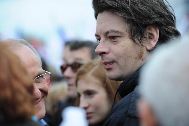 Benjamin Biolay et Axel Kahn à Vincennes, la force du Rassemblement