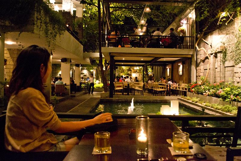 Du Mien Cafe, Saigon