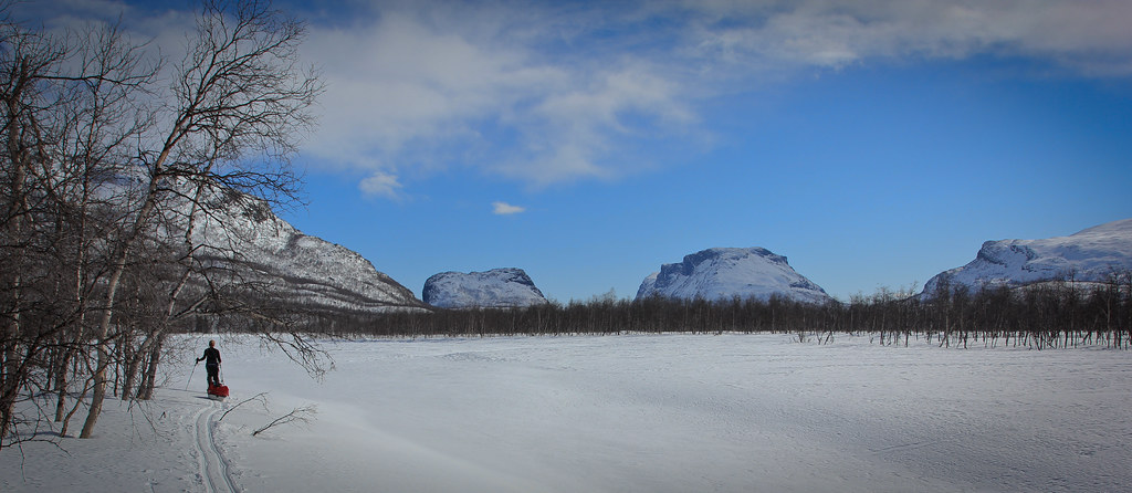 Skierfe, Nammasj and Tjahkelij proudly guard the eastern entrance of Sarek