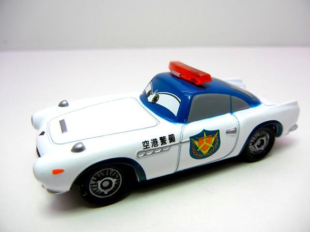 disney cars tomica security guard finn (2)