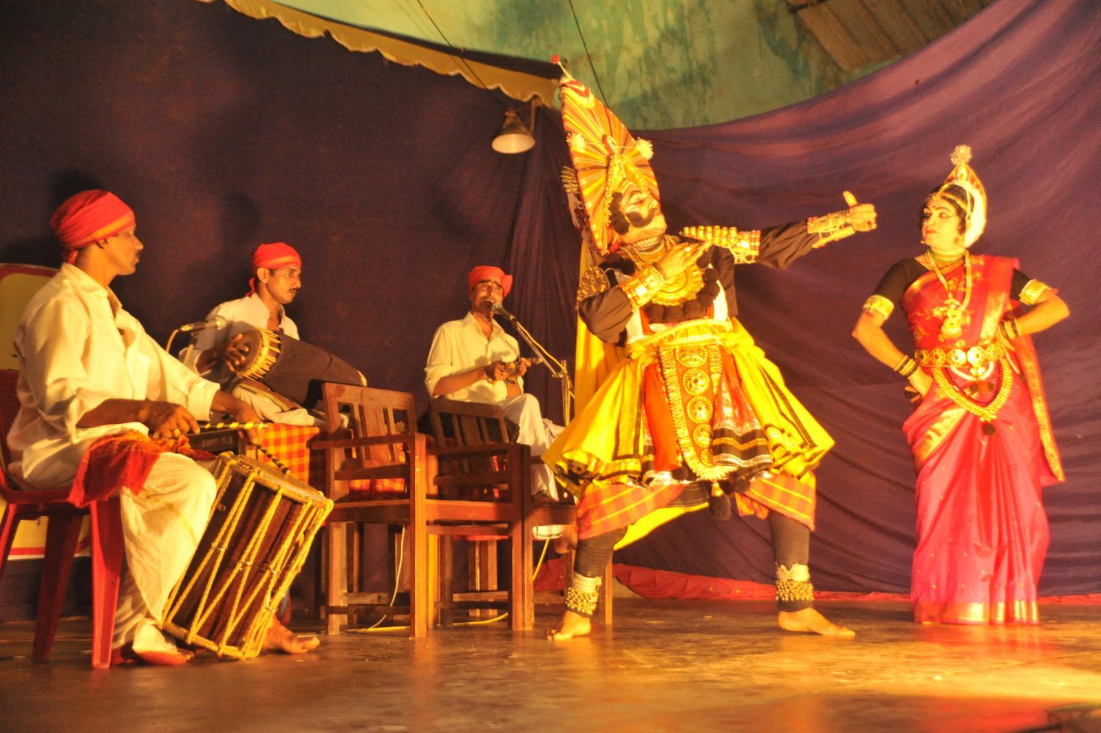 Kichaka enticing Draupadi (sairandhri). Yakshagana, Kichaka Vadha