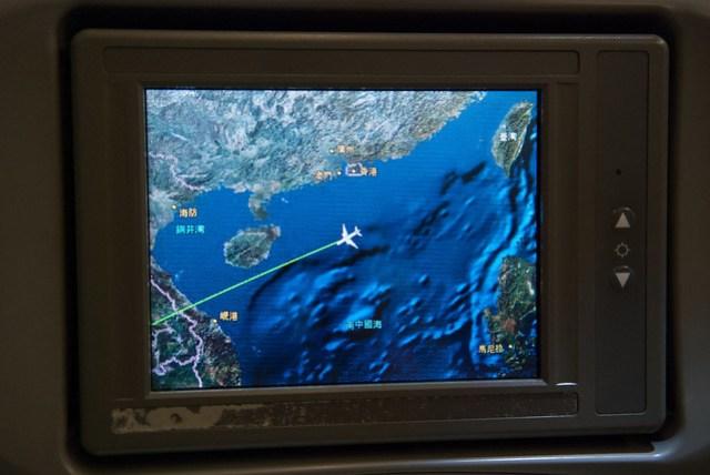 其實在飛機上我最愛的娛樂節目是 GPS,可以知道航道的感覺還不錯