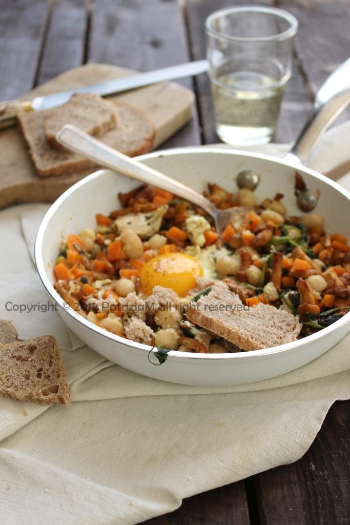 Fagioli zucca e finferli con l'uovo