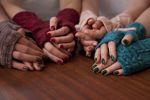 Soakbox: may your nails match your knits. #1