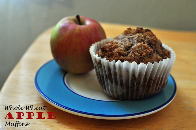 whole wheat apple muffins 01