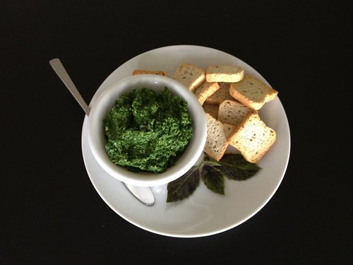 Spinach Pesto with Olive Crackers (1st Kookgrrls Cookalong: Italy)