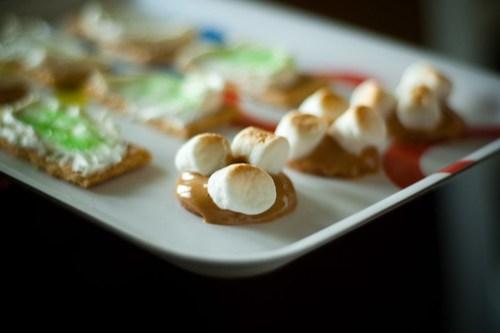 mmmm, vintage snacks.