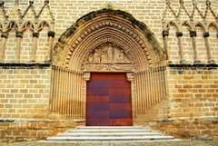 Portada de la iglesia de San Saturnino