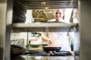 Lisa Aronson Algonquin Head Chef