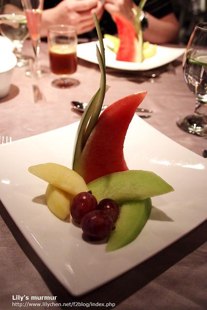 水果盤,擺盤很精美,但是可惜的是,一點都不甜,不想佔胃所以就沒怎麼吃了。