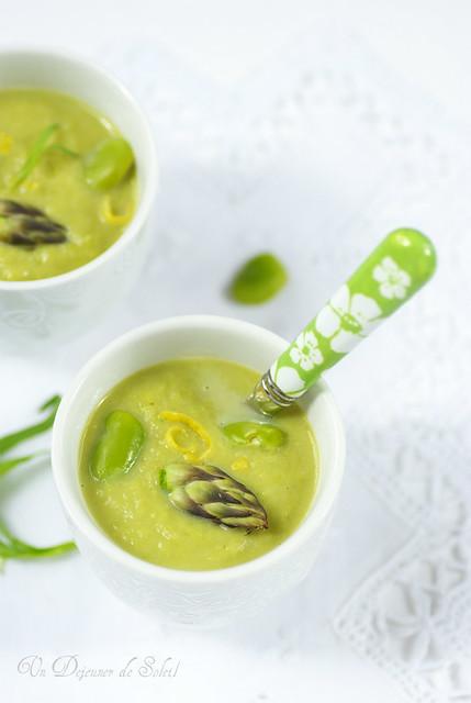 Asparagus and fava beans soup