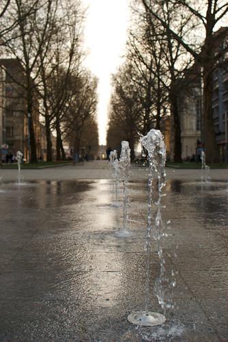 Wasserstrahl des Wasserspiels bei Tag