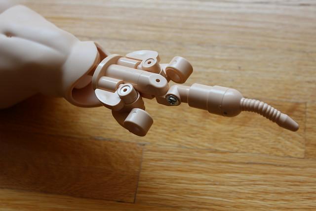 Assembling a Dollfie Dream Sister