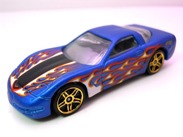 hot wheels '97 corvette blue (2)