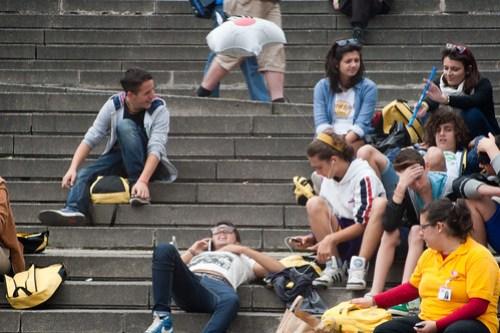 05 Yellow tourists
