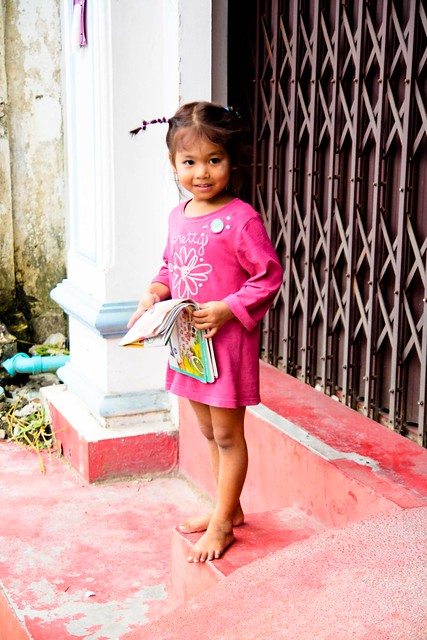 sweet little girl in phuket town