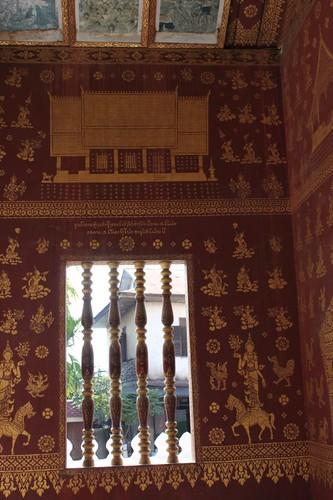 20120126_2640_Wat-Sop_Sickharam-stencil-interior