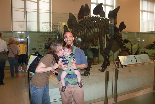 New York - American Museum of Natural History - Vicky (Kissing), Sagan and Ryan with Stegosaurus (By Thad Wong)