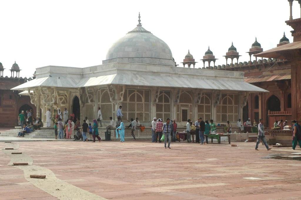 KhwajaSheikh Salim Chisthi'stomb