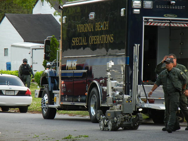 virginia beach barricaded person 4-2012 (22)