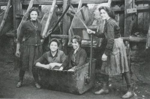 Patrulla de mineras de Antracitas de Brañuelas