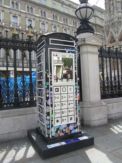 "15 - ""Mobile Phone"" by Fred Butler (Charing Cross Station)"