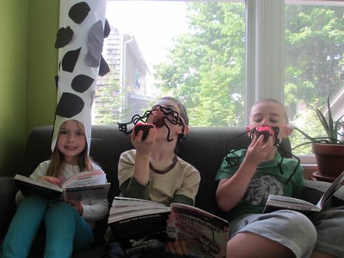 @juliefalatko - kids reading babymouse