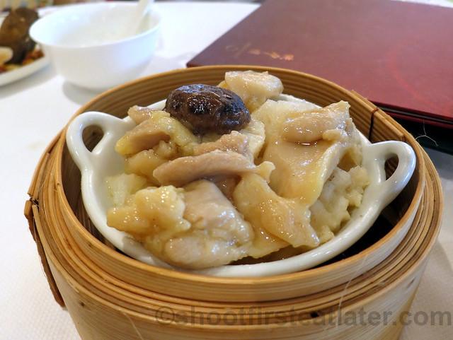 steamed spareribs with pomelo peel & black beans HK$30