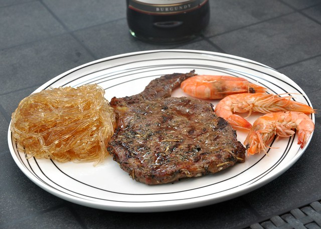 glass noodles, steak and shrimps combo