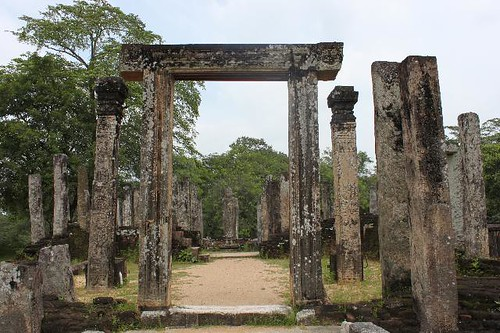 20130113_6840-Polonnaruwa-Hatadage_Vga