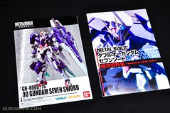 Metal Build 00 Gundam 7 Sword and MB 0 Raiser Review Unboxing (10)
