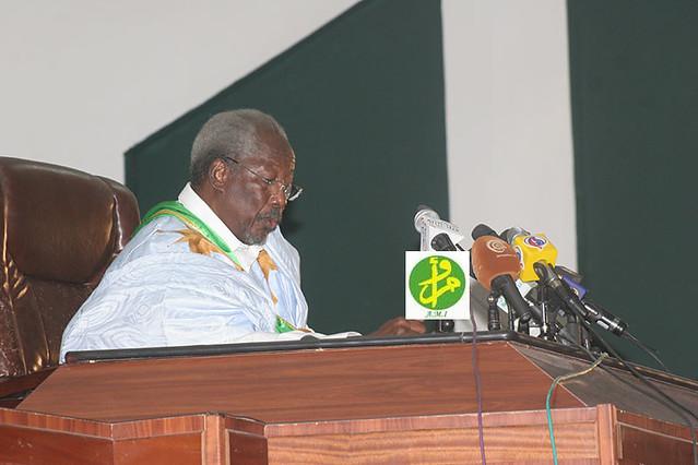 M. Messaoud Ould Boulkheir ouvrant la session de l'assemblée nationale en mars 2013. AMI